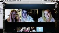 Blaire und ihre Freunde im Skype-Chat